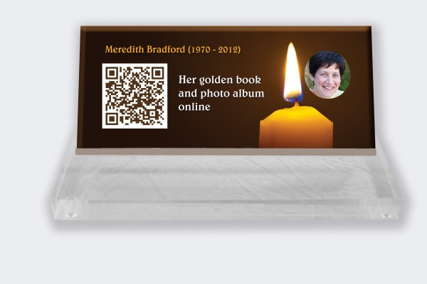 Personalized memorial plaque : Small memorial plaque QR Code - Brown background Candle