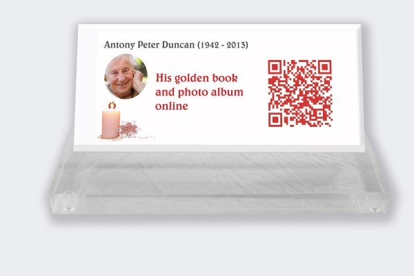Personalized memorial plaque : Small memorial plaque QR Code - Candle with white background