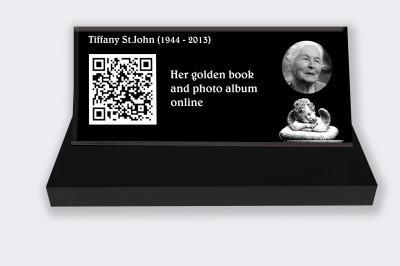 Personalized memorial plaque : Small memorial plaque QR Code - Angel black and white background